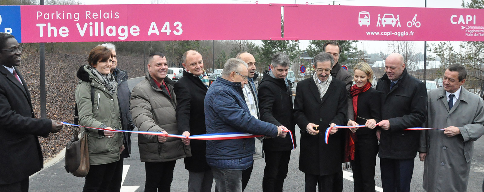 Inauguration du parking de covoiturage «The Village A43»