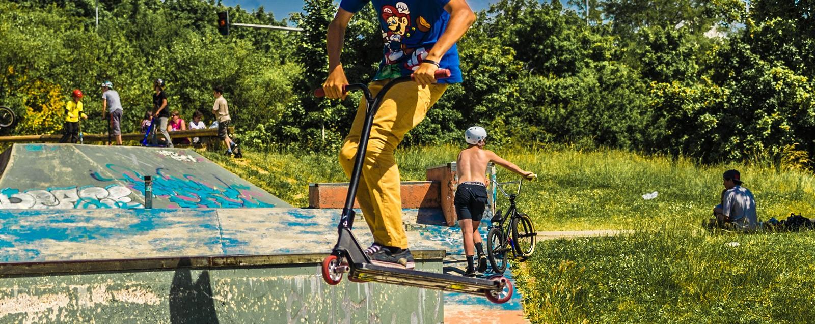 Skate Park, espace Perredière équipements sportifs Villefontaine