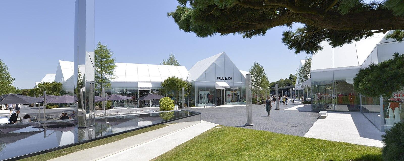 Village de marques luxe à Villefontaine, en Isère