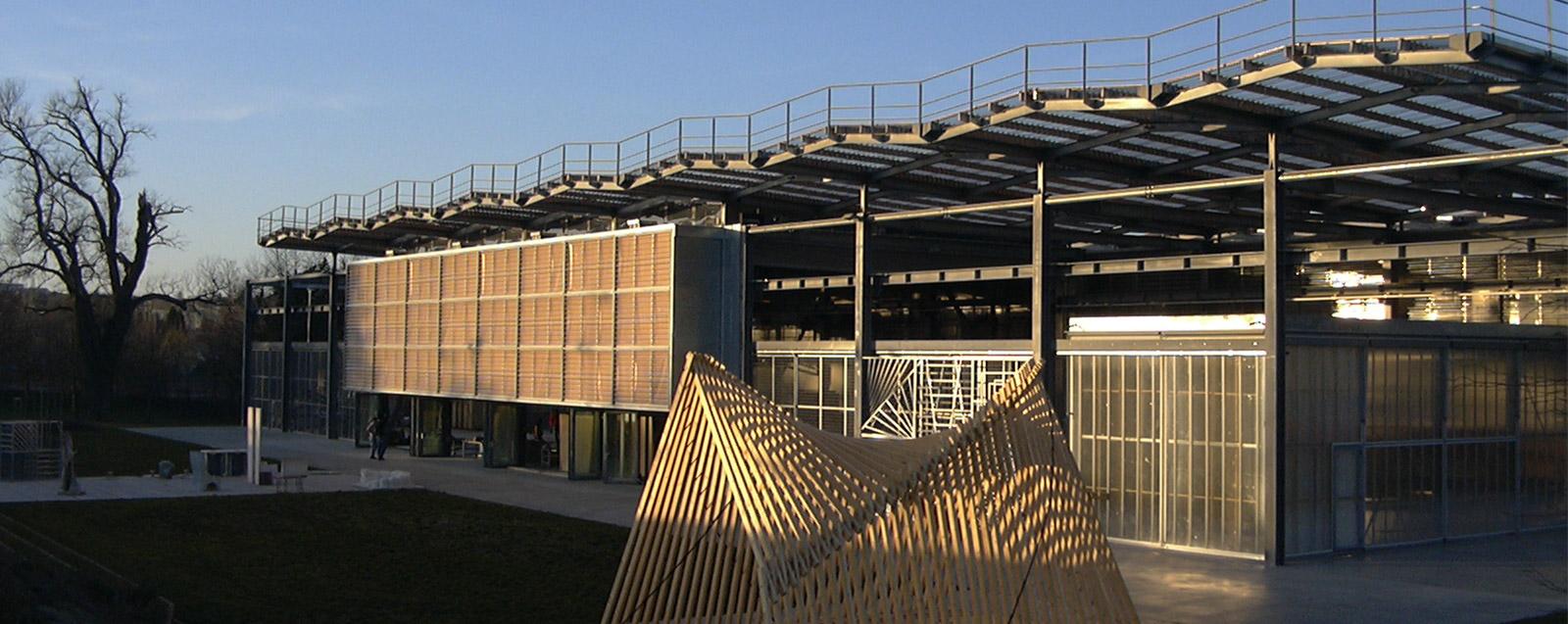 Les Grands Ateliers bâtiment extérieur