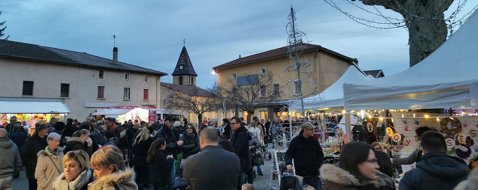 Marché de Noël 2019 - © Mairie de Villefontaine