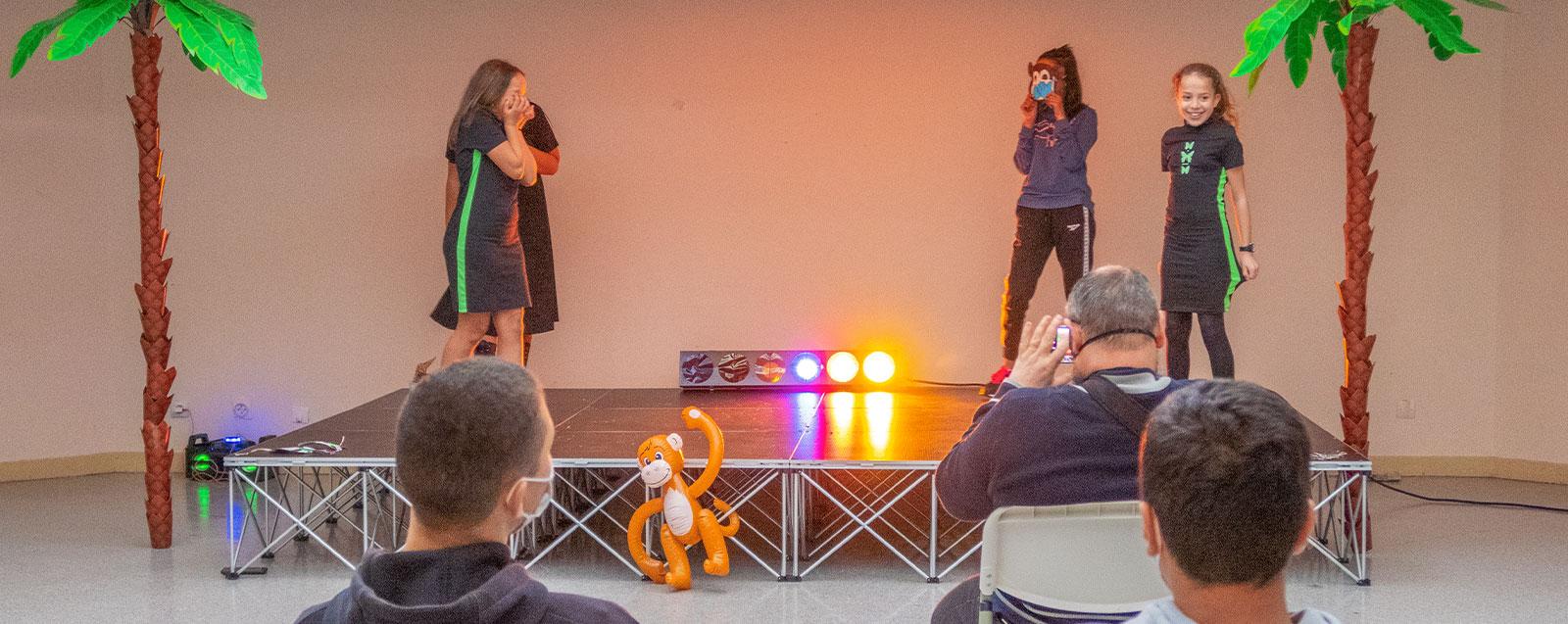 Spectacle de danse du secteur jeunes de la maison pour tous des Roches
